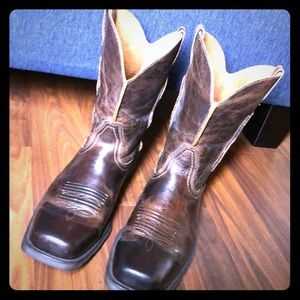 Ariat Rambler Wide Square Toe Western Cowboy Boots